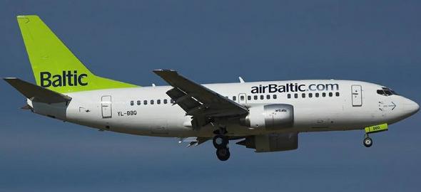 самолет AirBaltic