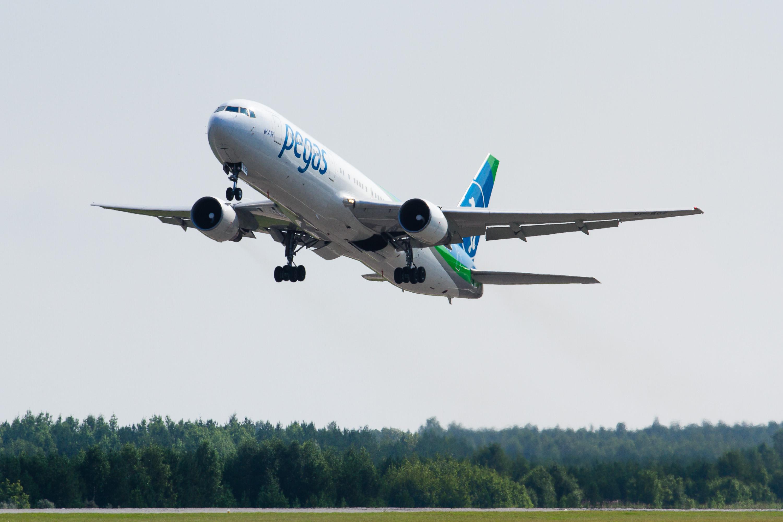 самолет авиакомпании Икар